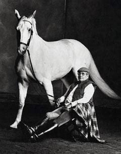 520 west main street lewistown, montana 59457 phone: John Winnett (1928-2007) | Horses Daily