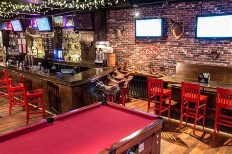 7. Rock 'N' Horse Saloon: A little bit of country is found