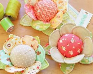 Pretty Fabric Buttercup Pincushion  Instructions On How To