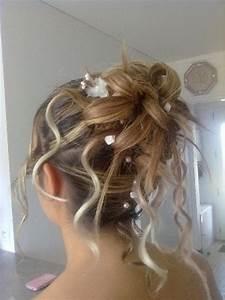 Chignon Cheveux Mi Long : coiffures chignons cheveux longs ~ Melissatoandfro.com Idées de Décoration
