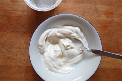 How To Make Your Own Greek Yogurt Plus Healthiest Choices