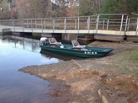 Fs 12 Foot Flat Bottom Jon Boat With 6 Hp Evinrude The