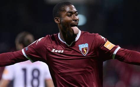 Il male minore.' il questore di salerno, antonio de iesu, al termine della partita ha commentato: La Salernitana riparte, ma un calciatore viene messo in ...