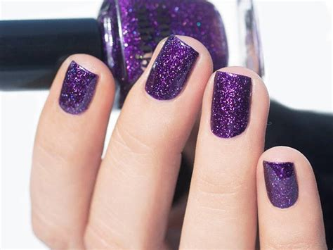 21 Exceptional Winter Nail Colors To Try