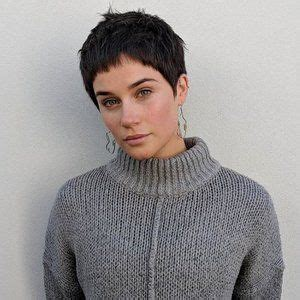 Our Favorite Short Hairstyles to Try in 2019 Short pixie