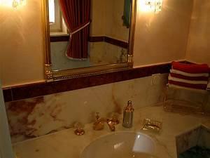 Marmor Im Bad : gold marmor im g ste wc bad 018 b der dunkelmann ~ Frokenaadalensverden.com Haus und Dekorationen