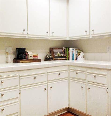 80s laminate kitchen cabinets 1000 images about laminate cabinet refinish on pinterest