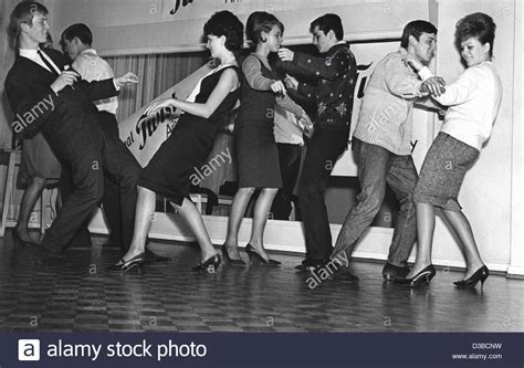 the twist dance 1960 www pixshark com images galleries