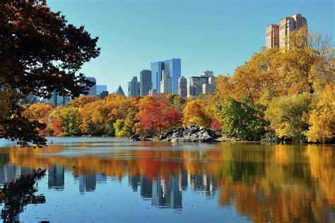 ways  celebrate oktoberfest   york city midtown