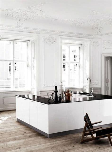 moulure cuisine plafonds vintage avec look à l 39 antique