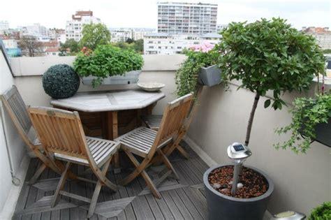 decoration balcon  exemples fleuris  accueillants