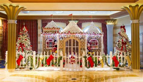 Disney Resort Gingerbread House Tour 2017 Preview