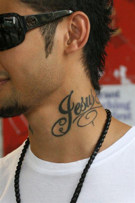 Tatouage Cou Homme Tatouage Cou Mod 232 Les De Tattoos Sur Le Cou Pour Femme Et Homme Tatouages