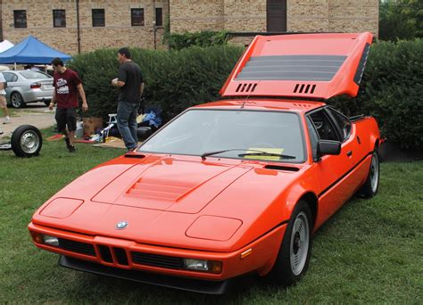 The First Mid-engined Bmw Supercar
