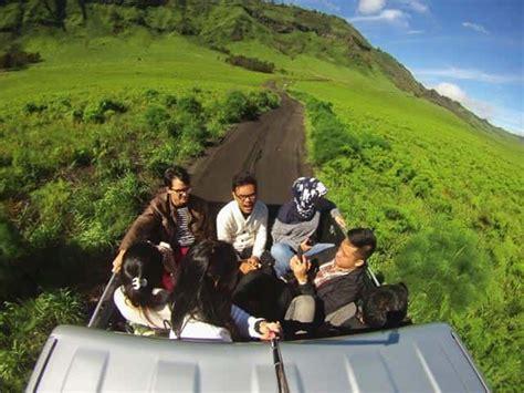 keindahan bromo gunung terkomersil indonesia  sisi lain
