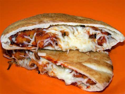 carolynn's recipe box: Easy Pita Pizza Pockets
