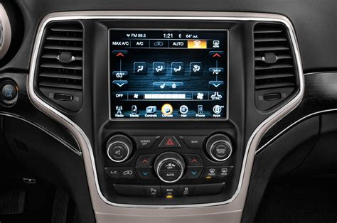 jeep grand cherokee interior 2015 2015 jeep grand cherokee reviews and rating motor trend