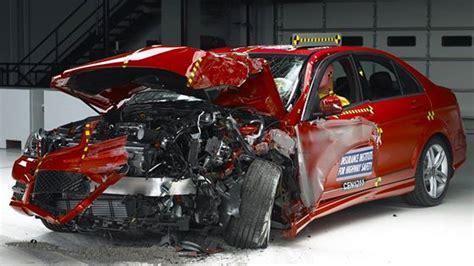 iihs raises  bar   crash test