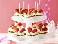 Karotten-Cupcake Rezept   EAT SMARTER