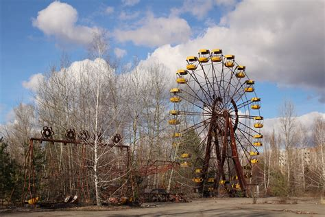 viewing  wreckage  chernobyl  years