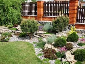 Bett Für Den Garten : die richtigen pflanzen f r den steingarten unsere 10 tipps das online gartenjournal ~ Frokenaadalensverden.com Haus und Dekorationen