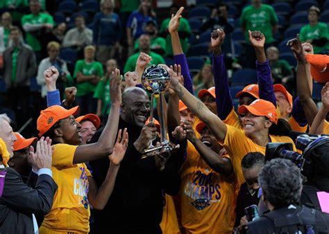 Kvapą gniaužianti drama: WNBA čempiones nulėmė vienas ...