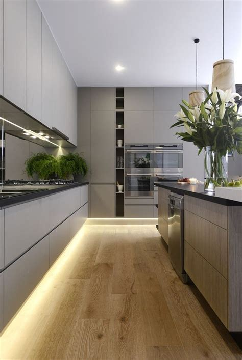 decoracao armario de cozinha rodape recuado  iluminacao