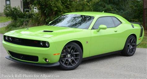 2015 Dodge Challenger Scat Pack Preview: Bringing SRT