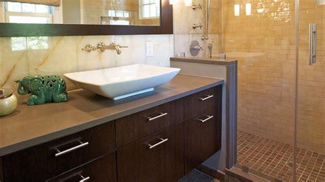 decorate small bathroom  modern decor interior design