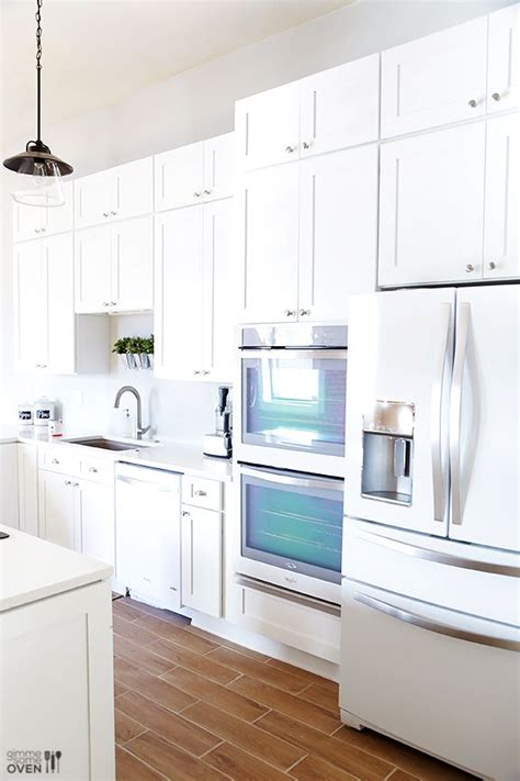 white cabinets with white appliances the 25 best white kitchen appliances ideas on pinterest 652 | 3875fd89fa5f85c0260fa631a9b28ff4 white appliances in kitchen white kitchen cabinets