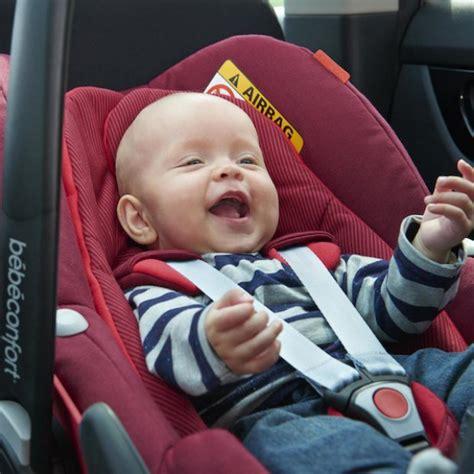 siege auto bebe naissance タ 4 ans voyager en voiture avec bébé sièges auto isofix au banc d 39 essai famili fr
