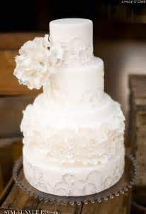 white wedding cakes all white wedding cakes the magazine