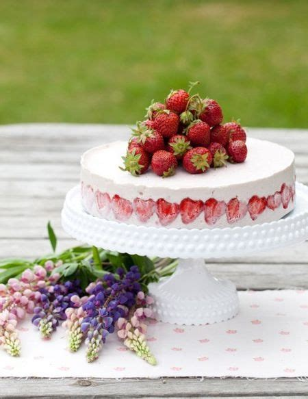 Cake Frozen Strawberries