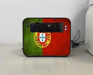 Radio Reveil Vintage : radio r veil drapeau vintage portugal personnalis e ~ Teatrodelosmanantiales.com Idées de Décoration