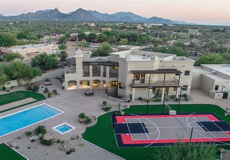 sarah palin sells arizona house tidy profit price cut