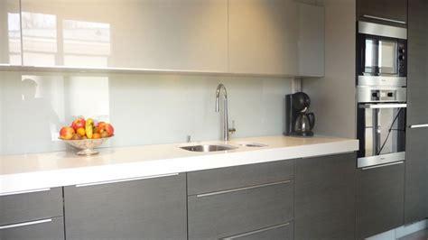 cuisine verre credence adhesive pour cuisine maison design bahbe com