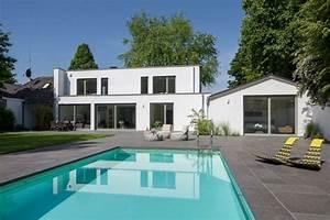 amenagement jardin avec piscine 75 idees pour s39inspirer With jardin avec piscine design