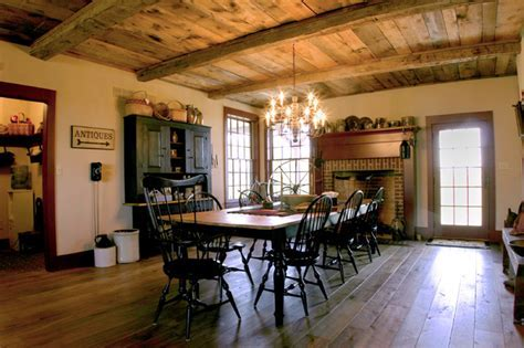 New England Salt Box Style   Traditional   Dining Room