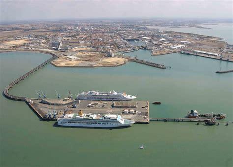 port de commerce la rochelle les p 234 cheurs bloquent le port de la rochelle mer et marine