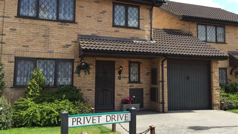 potter s 4 privet drive house is selling to muggle harry potter s home at 4 privet drive is up for Harry