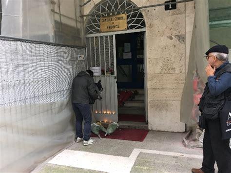 Consolato Francese Roma - parigi fiori al consolato francese di sit in di