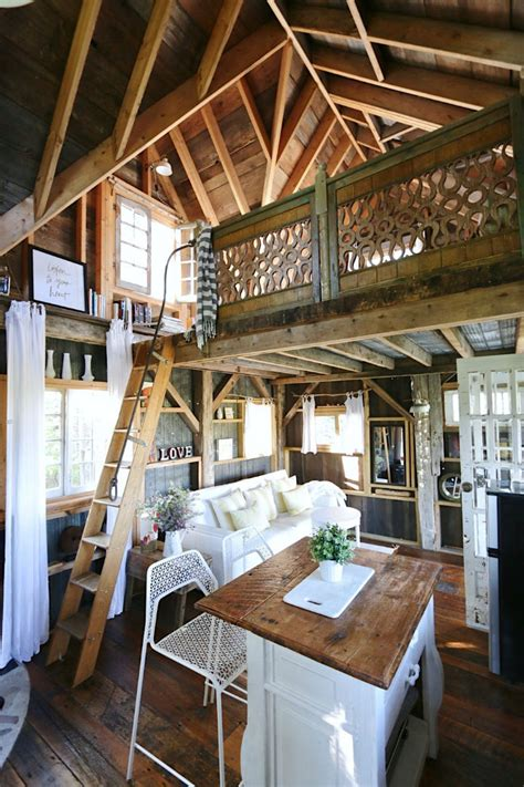 Awesome Treehouse Retreat Cabin Hideaway awesome treehouse retreat and cabin hideaway decoholic