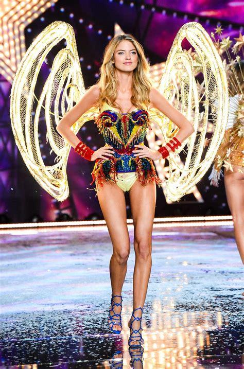 Musíte vidět tento Victoria's Secret Angel Model 22-Pound ...