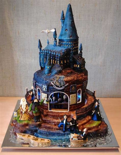 awesome cakes 10 most awesome themed wedding cakes