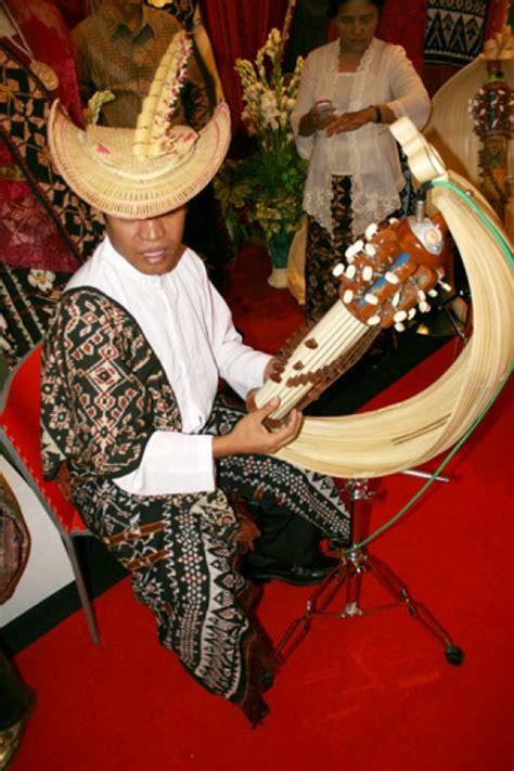 5000 ini berasal dari nusa tenggara timur, indonesia. sejarah alat musik SASANDO