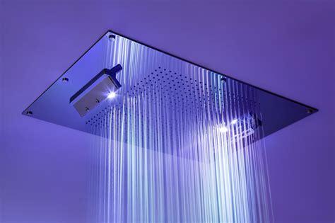 doccia cromoterapia carimali eleganza e per lo spazio doccia il