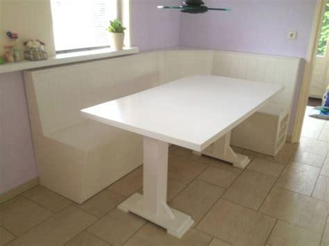 eetkamer hoekbank comfortabele keuken hoekbank ontwerp eettafel rond