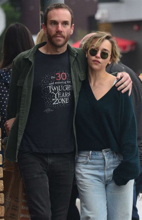 Game of thrones star emilia clarke snogged her new boyfriend emilia, who played the beautiful daenerys targaryen in game of thrones, looked gorgeous showing. Emilia Clarke and boyfriend Charlie McDowel: Out in Venice -10   GotCeleb