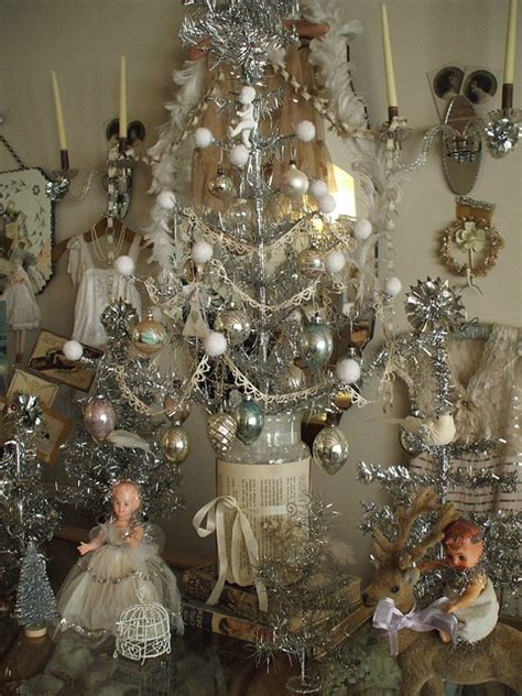 ideas for classic christmas tree decorations happy awesome ideas for vintage christmas tree happy day