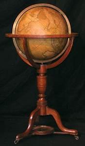 Globe Terrestre Sur Pied : globe terrestre de parquet globe cary antiquites de marine sciences voyage ~ Teatrodelosmanantiales.com Idées de Décoration